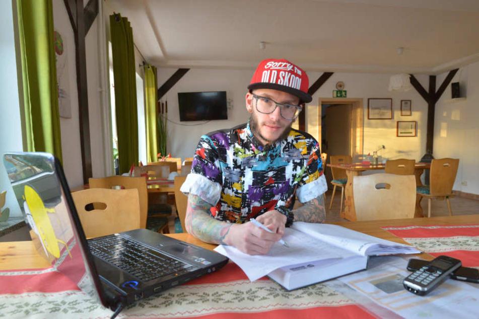 Ronald Otto (31) macht jetzt Ernst, verlangt fürs Reservieren Geld.