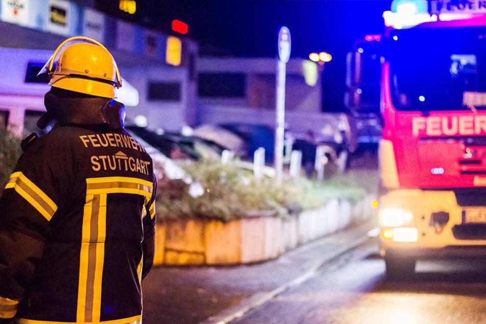 In Leipzig wurde eine Frau bei einem Wohnungsbrand verletzt.