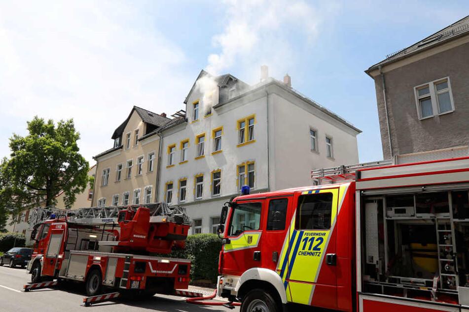 Geschirrspüler setzt Wohnung in Brand: Zwei Verletzte