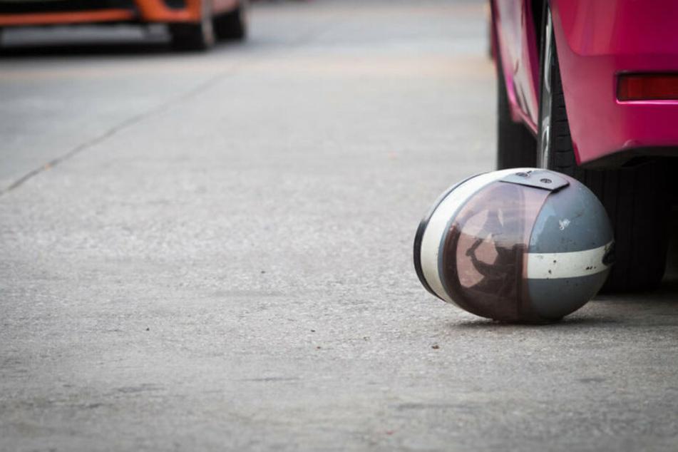 Dein 29-jähiger Rollerfahrer wurde bei dem Unfall schwer verletzt. (Symbolbild)