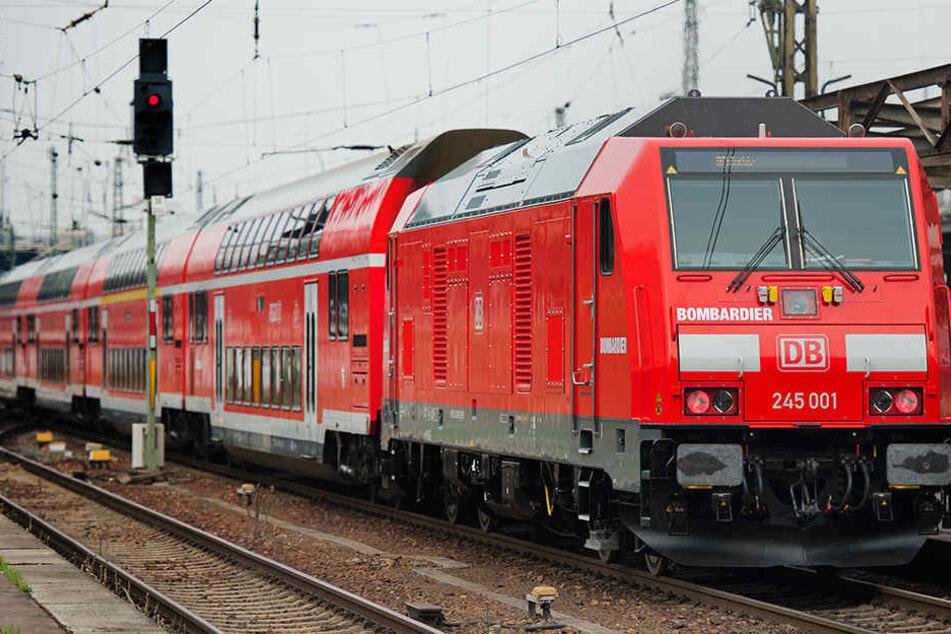Am frühen Sonntagmorgen kam es in einem Regionalzug von Freiburg nach Basel zu einem handfesten Streit zwischen mehreren Personen. (Symbolbild)