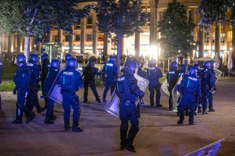 """""""Nur Kanaken"""": Ermittlungen gegen Polizisten nach der Krawallnacht"""