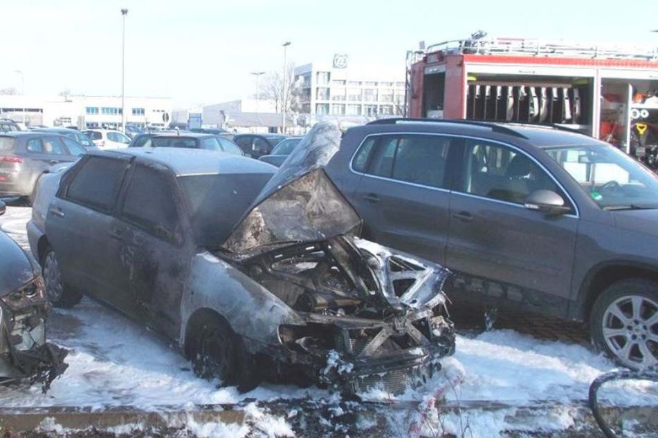 Die Freiwillige Feuerwehr Stemwede rückte an, um die Flammen zu löschen.