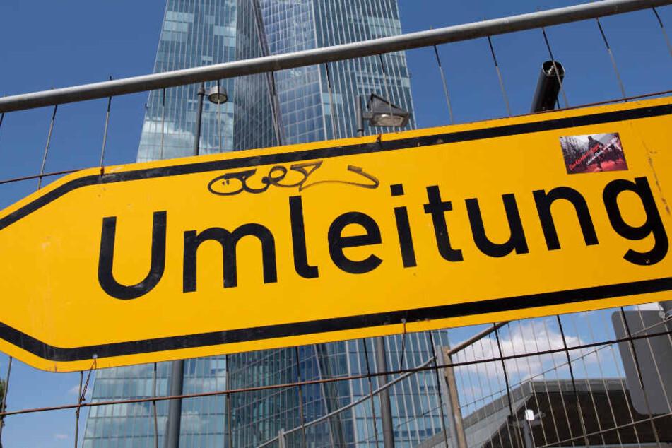 Auch die Europäische Zentralbank (EZB) in Frankfurt ist von den Sperrungen betroffen.