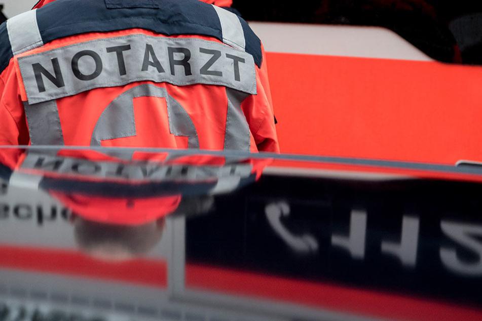 Ein Kind kam vor eine Straßenbahn an der Leipziger Angerbrücke zu Fall.
