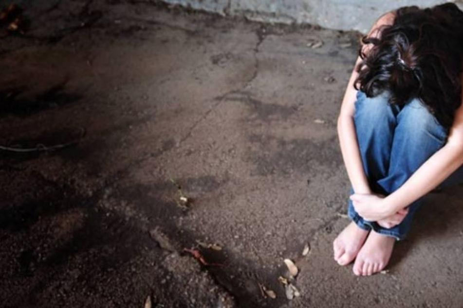 Sandra P. soll häufig von dem Obdachlosen misshandelt worden sein. (Symbolbild)