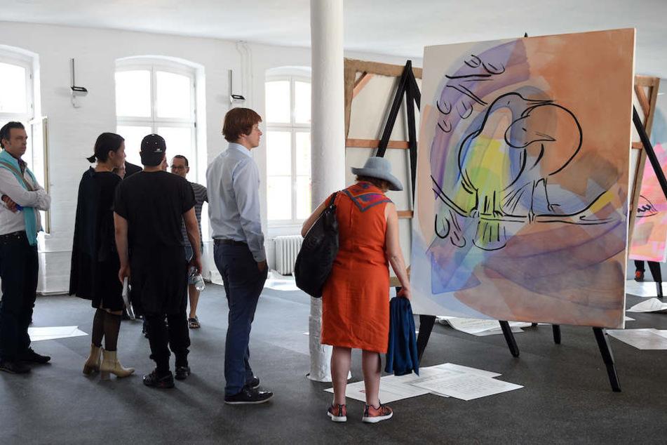Wie hier bei der 9. Biennale im Jahr 2017 strömen wieder tausende Kunst-Fans nach Berlin.