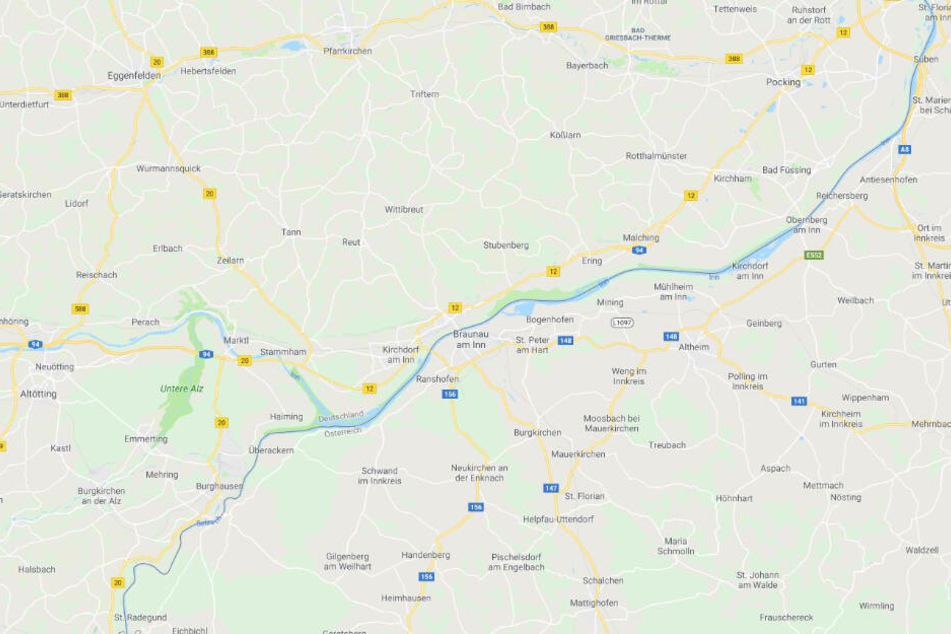 Der Unfall ereignete sich auf der B12 bei Kirchdorf am Inn in Niederbayern.