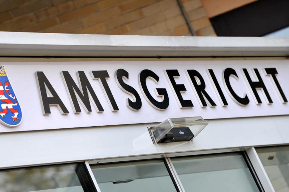 Es ist zunächst nur ein Verhandlungstag in der Außenstelle des Amtsgerichts Kassel in Hofgeismar angesetzt.