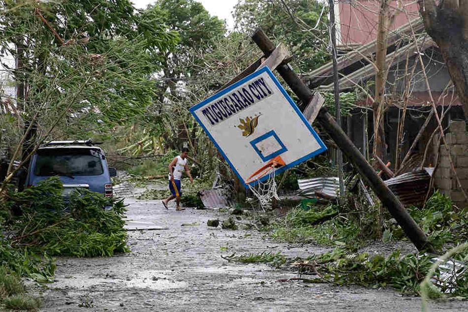 """Mit Windgeschwindigkeiten von mehr als 205 km/h hat """"Mangkhut"""" vielerorts große Schäden angerichtet."""