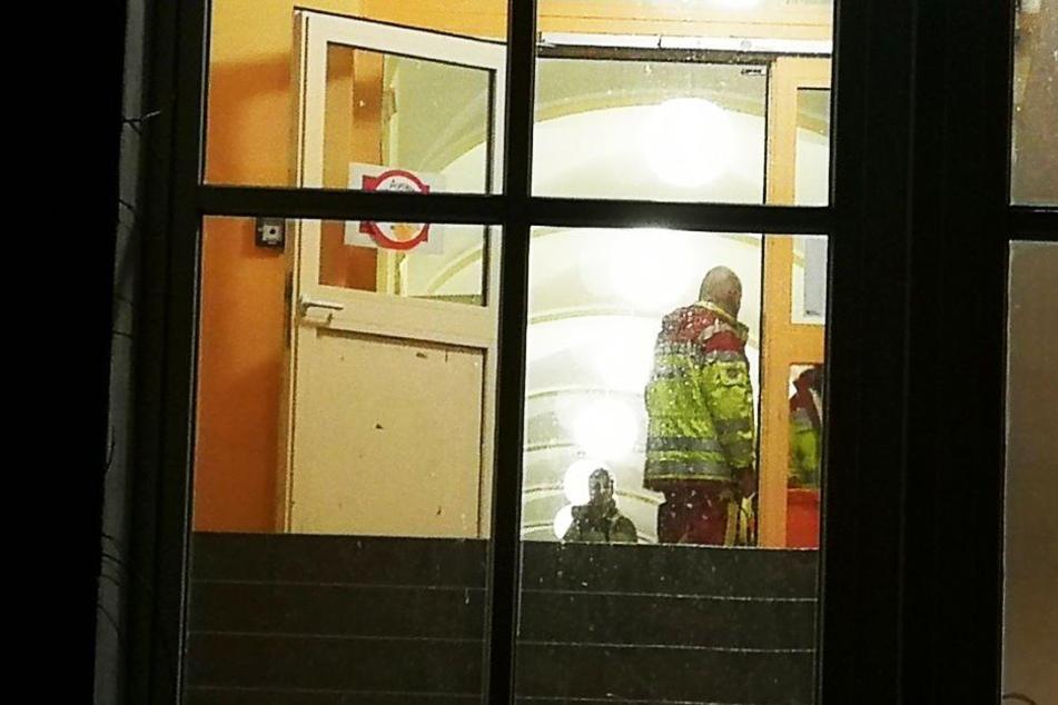 Die Einsatzkräfte hatten in der 33. Grundschule eine Notunterkunft für die von der Evakuierung betroffenen Anwohner eingerichtet.