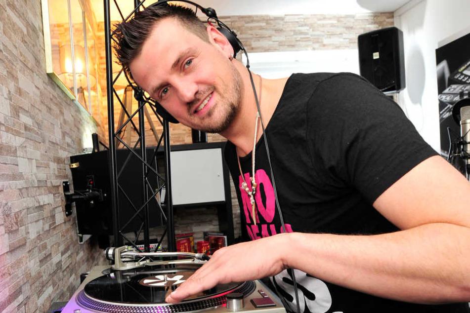 Den Feinschliff gibt's am Ende vom DJ-Meister Ric Einenkel (38)  persönlich.