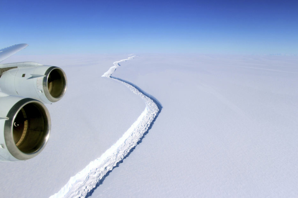 Bereist im Januar war der Riss im Eis 175 Kilometer lang.