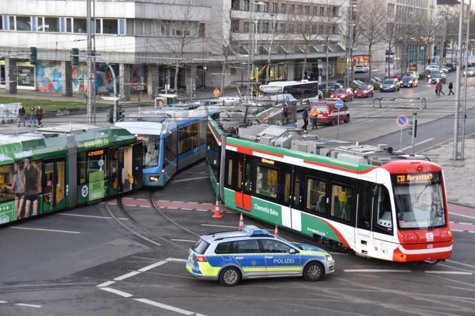 Immer wieder gibt es Unfälle mit Straßenbahnen, wie im Dezember an der Strana.