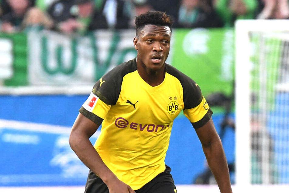 Dan-Axel Zagadou (19) verhielt sich bei den Dortmunder Gegentoren nicht so clever.