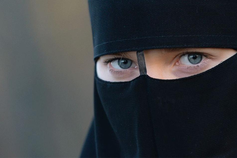 """So sieht ein Nikab auch """"Niqab"""" geschrieben aus."""