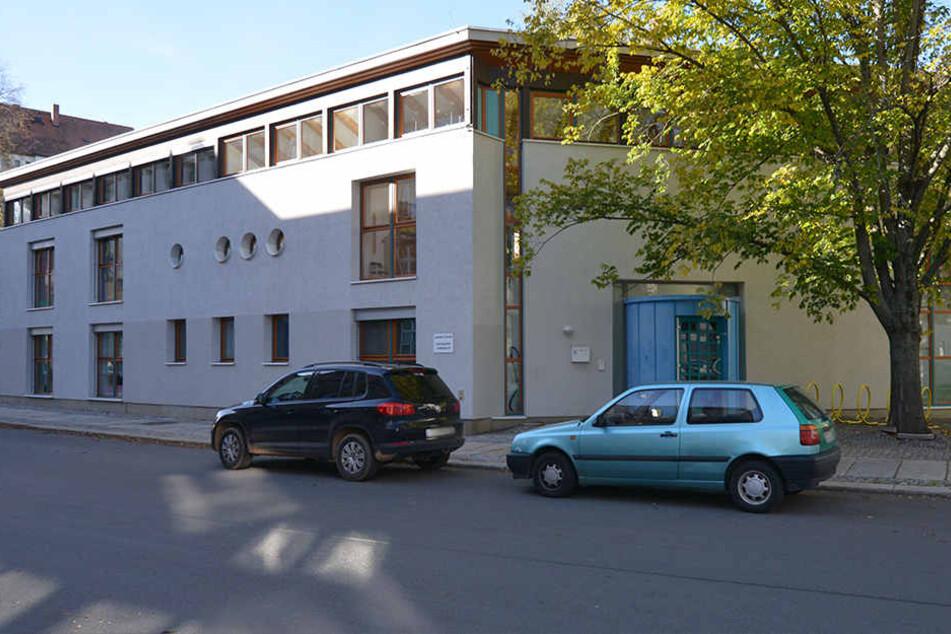 Chemnitz: Vor Kita in Chemnitz: Sollte hier ein Baby entführt werden?
