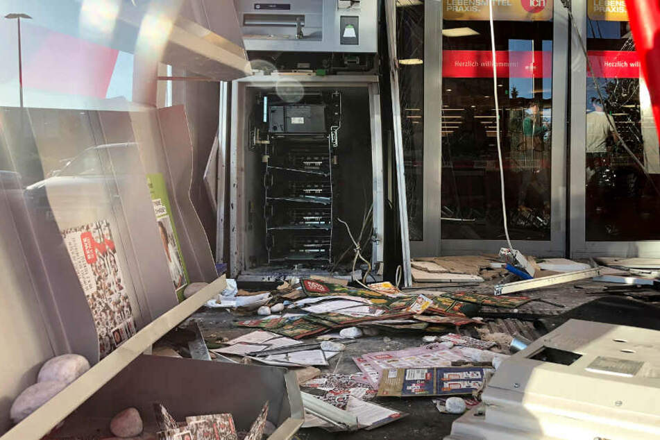 Die Explosion verwüstete den Raum.