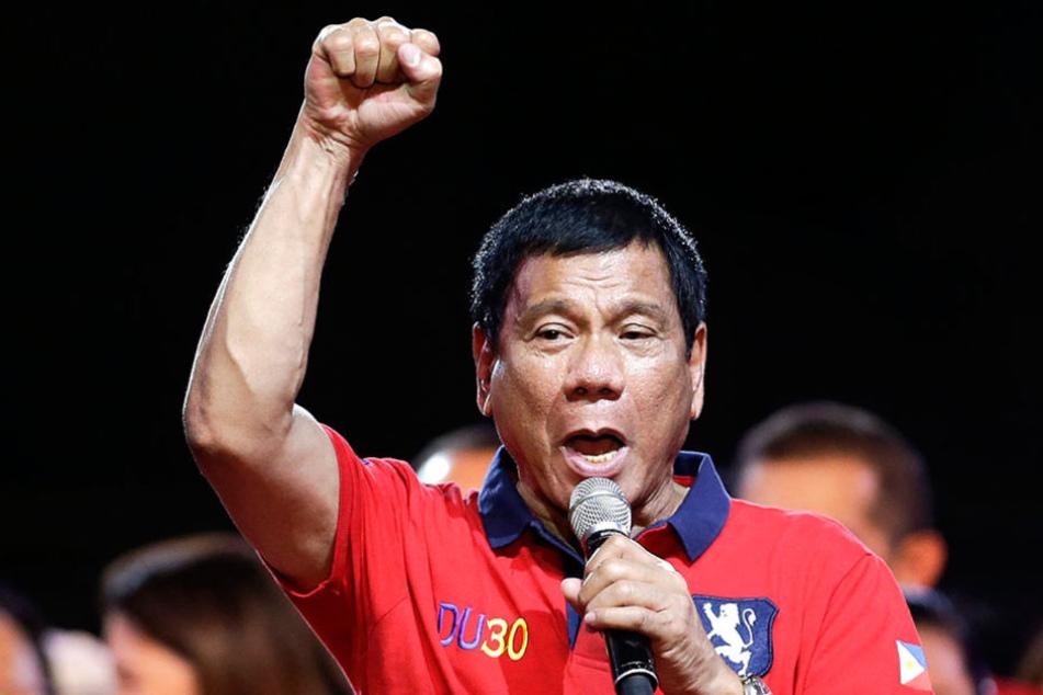 Der philippinische Präsident Rodrigo Duterte (72) brüstet sich damit, Drogendealer getötet zu haben.