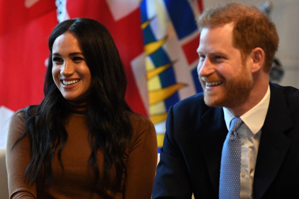 Werden nach diesem Leitartikel von Kanadas größter Zeitung kaum noch lachen können: Prinz Harry (35) und Meghan (38).