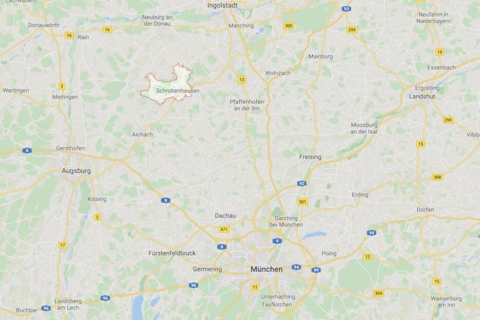 Auf der Staatsstraße 2044 zwischen Schrobenhausen und Edelshausen ist es zu einem Unfall gekommen.