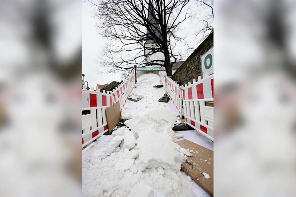 Auf den knapp 20 Meter Rodelbahn soll es ab Donnerstag rund gehen.