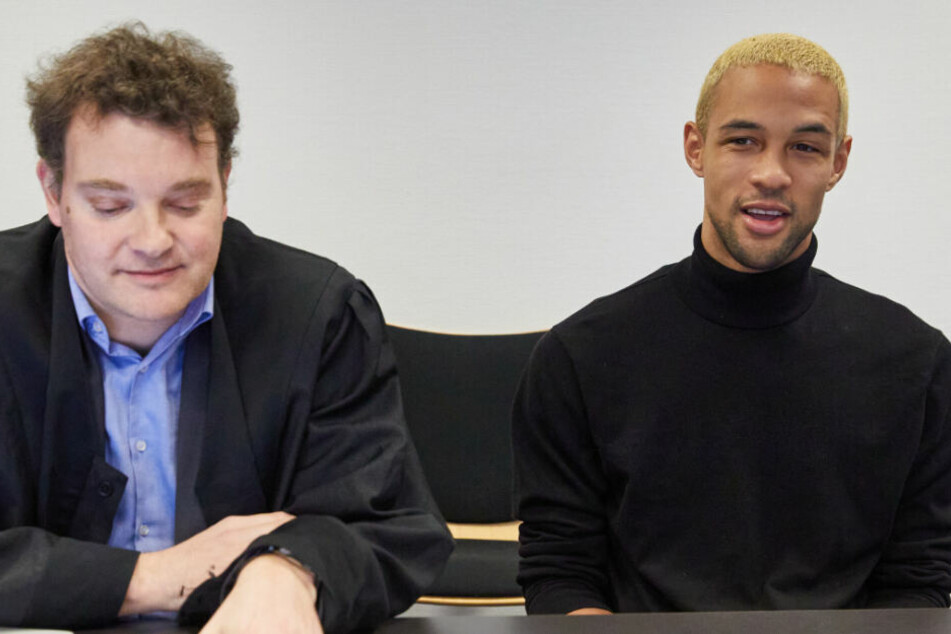 """YouTube-Star Simon Desue gesteht vor Gericht: """"Mein ganzer Kanal ist fiktiv"""""""