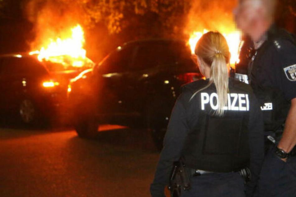 Brandstiftung vermutet: Erneut Auto in Berlin abgefackelt