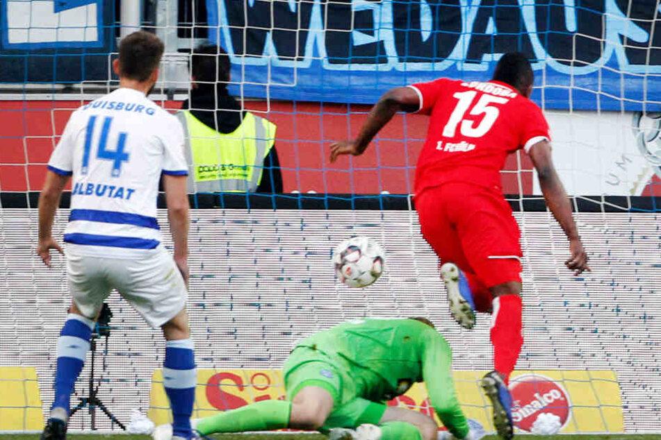 Jhon Cordoba erzielt den Treffer zum zwischenzeitlichen 1:1 (24.).