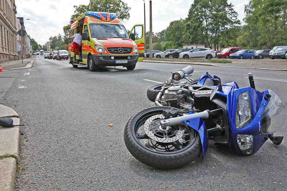 Biker bei Unfall in Zwickau schwer verletzt