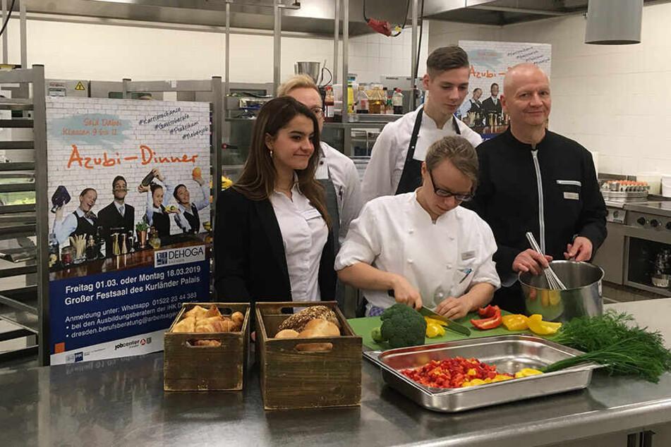 Beim Dinner werden Azubis regionaler Hotels und Gaststätten für die Jugendlichen kochen und ihre Berufe vorstellen.