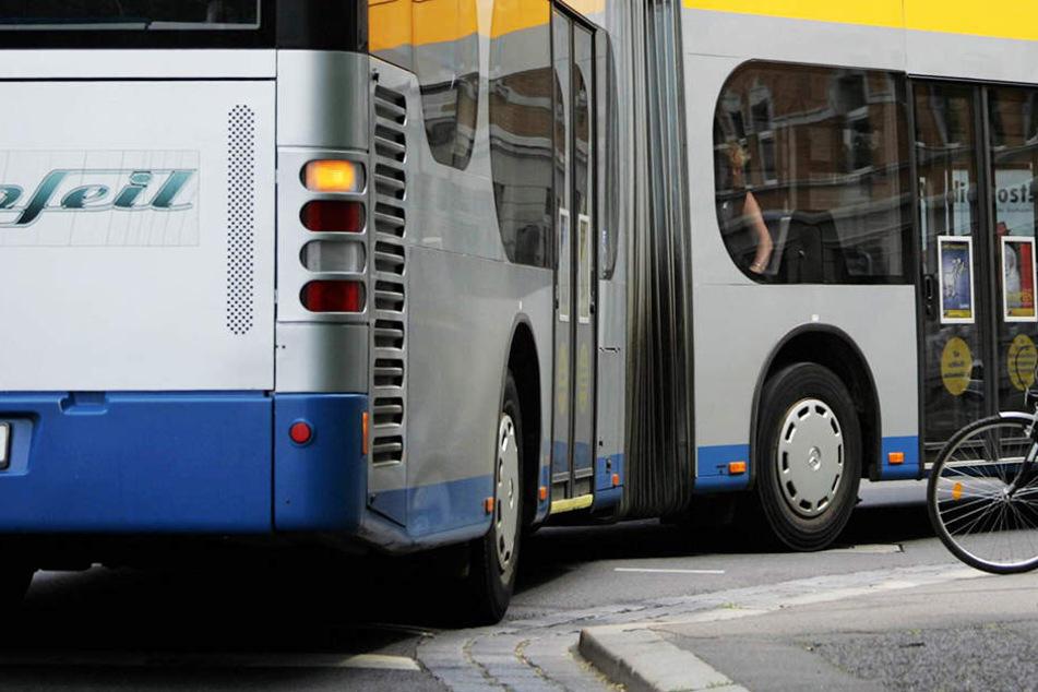 Am Donnerstag wurde gegen 14 Uhr eine 17-Jährige sexuell im Bus belästigt.