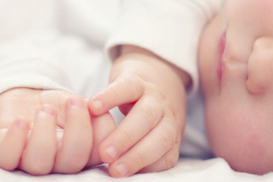 Das Baby war zuvor bei einer Pflegefamilie untergebracht. (Symbolbild)