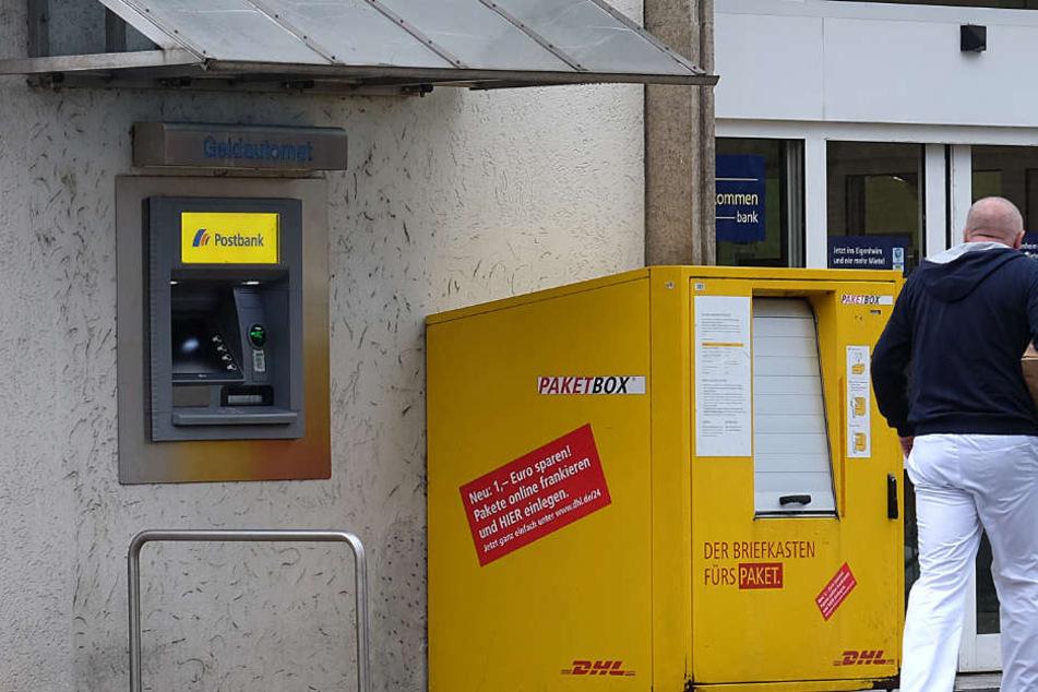 Diebe Spionieren Bankkunden Aus Und Heben Geld Ab