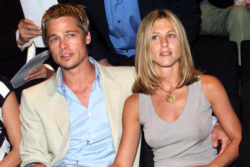 16 Jahre liegt dieses Foto zurück. Bis auf den Mann an ihrer Seite hat sich bei Jennifer Aniston (48) optisch eigentlich nichts verändert.