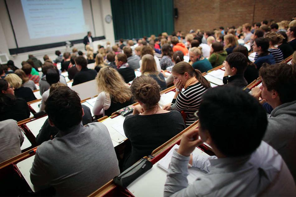Studenten in NRW haben häufig kein Abitur gemacht. Im Bundesschnitt mit am häufigsten (Symbolbild).