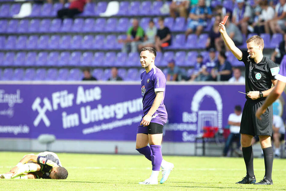 Aues Calogero Rizzuto flog gegen den VfL Osnabrück vom Platz.