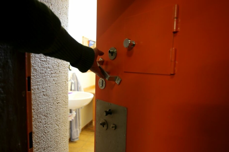 Häftlinge sollen auch währen sie ihre Strafe absitzen einen geregelten Tagesablauf haben und arbeiten. (Archivbild)