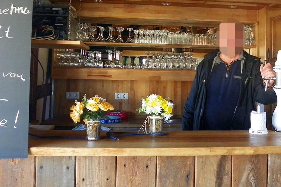 Nachdem er einen LIDL-Markt überfallen hatte, ließ der 33-jährige Täter die Tatwaffe in einer Kneipe reinigen. (Symbolbild)