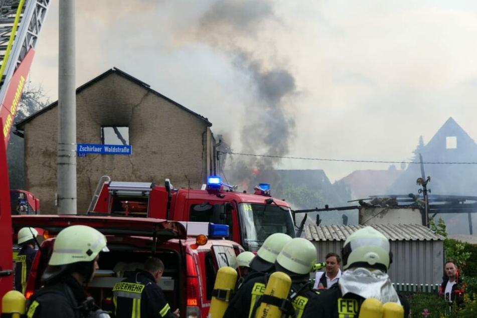 Blitzeinschläge setzten am Mittwochnachmittag mehrere Häuser im Raum Leipzig in Brand. In Colditz brannte dabei eine Scheune vollständig nieder.