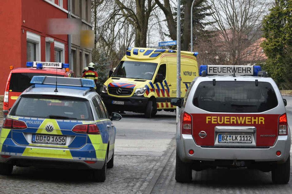 Explosion in Wohnhaus! Bewohner müssen verletzt ins Krankenhaus