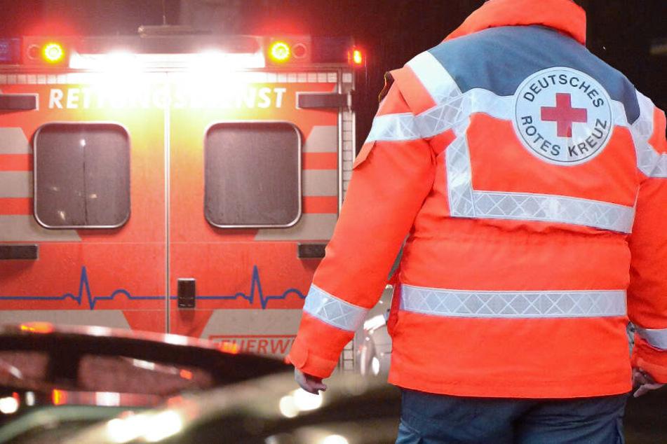 Sprinter kracht in Lkw: 24-Jähriger stirbt auf der Straße