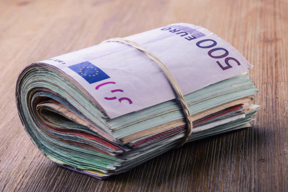 Weihnachtswunder: Mann findet Rucksack mit 16.000 Euro und gibt alles zurück