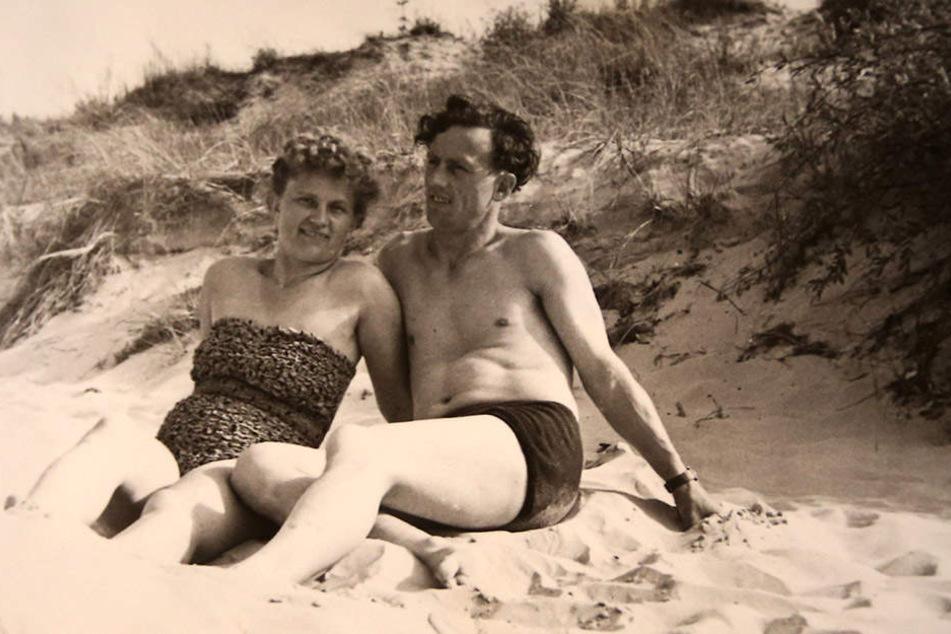 Urlaube haben Elfriede und Waldemar viele gemacht. Hier eine Aufnahme aus den Ostsee-Dünen