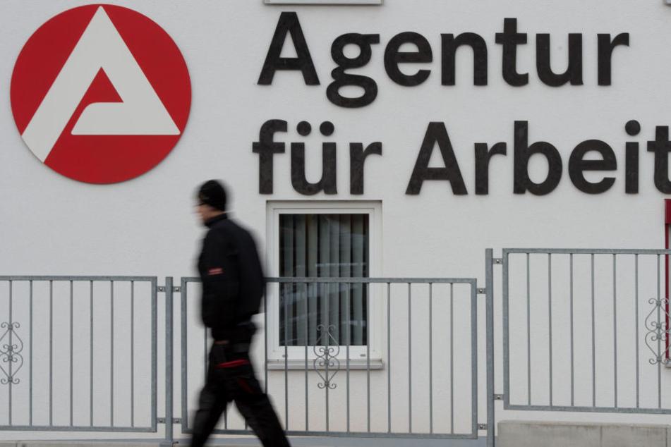 Die Arbeitslosenzahlen in Bayern sind im Oktober gesunken. (Symbolbild)