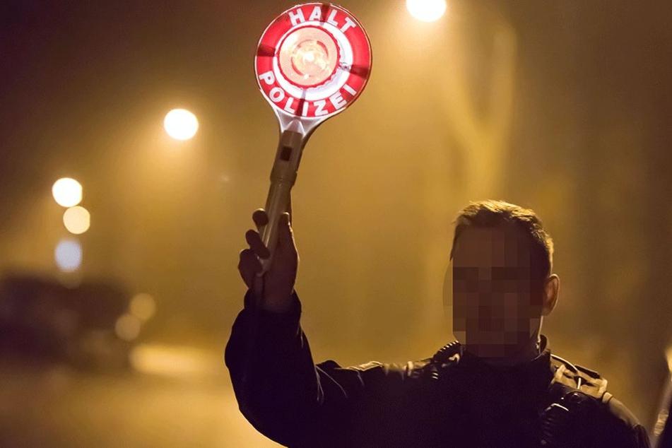 Halt, Polizei: Peter E. (31) stoppte einen Peugeot aus Rostock.