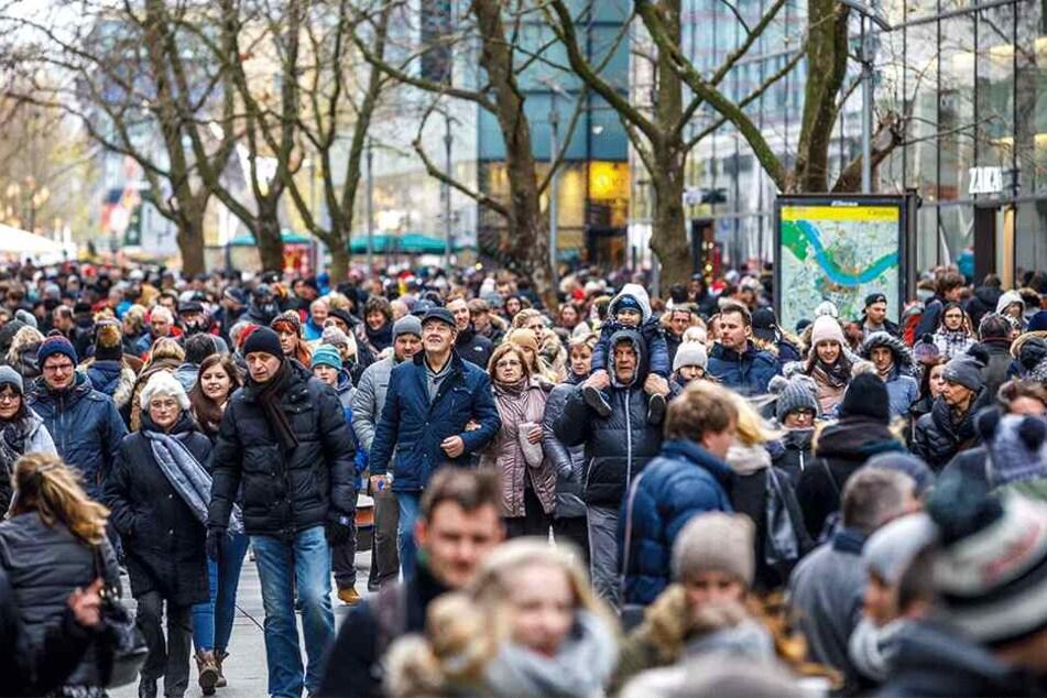 Die Händler hoffen auf zwei Einkaufssonntage schon in diesem Advent.