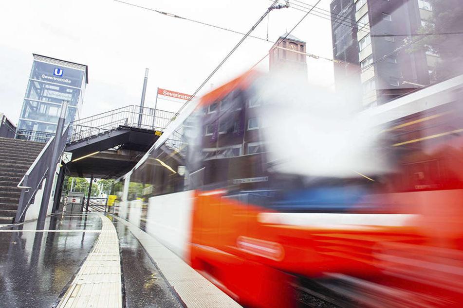 In Köln wurde ein Mann von zwei Straßenbahnen überfahren.