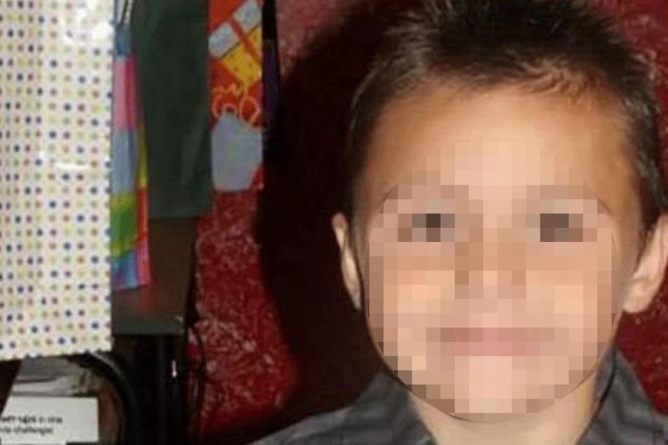 Junge (10) outet sich als schwul und wird von seinem Stiefvater zu Tode geprügelt