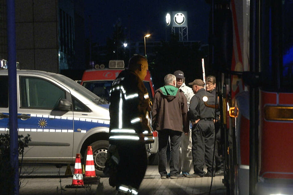 Auch in Leipzig wurden Polizeifahrzeuge in der Nacht zu Montag angezündet.